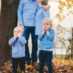 Familienfotoshooting im Fototag in einer Kindertagesstaette Kindergarten