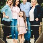 Familientermin bei Fotoshooting in der Grundschule